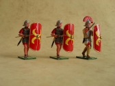 RIG2/A Romans advancing with Pila